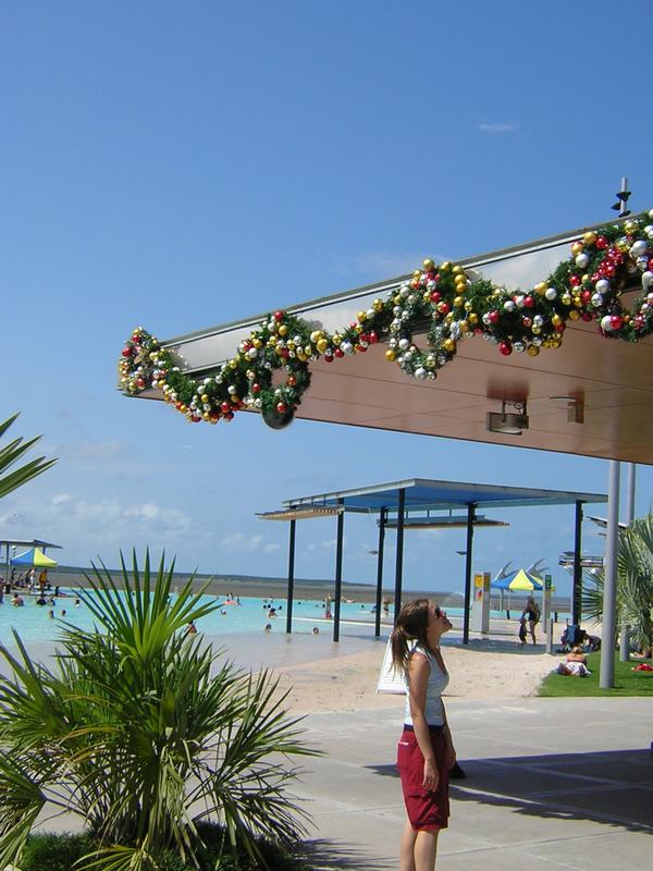 cairns_xmas_decor.jpg
