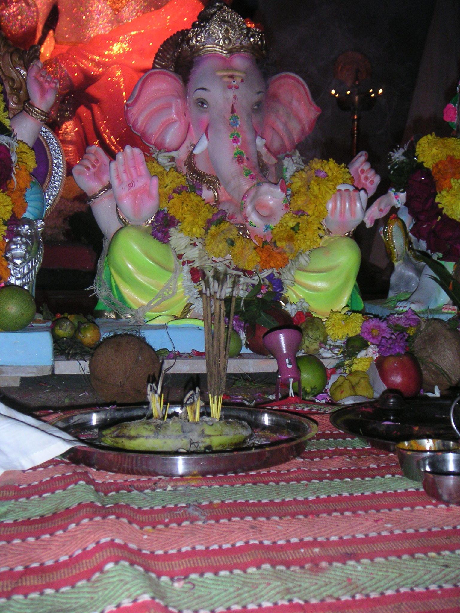 Altamount Road Ganesha with incense.jpg