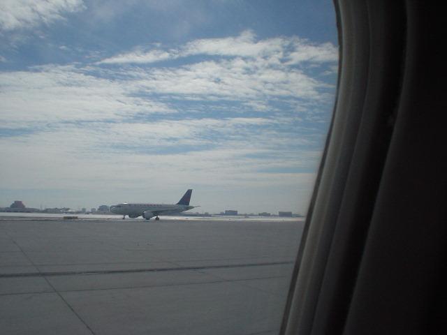 DSC03829airport.JPG